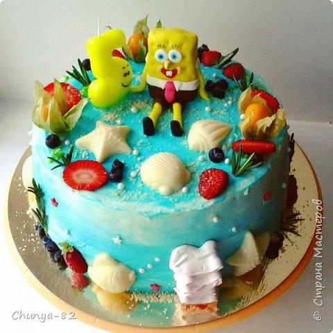 Долго я смотрела на этих красавцев....и наконец то решила рискнуть!!! Мой первый зеркальный муссовый торт!!! Это очень вкусно, необычное сочетание, аромат....мммм....вся семья урчала от удовольствия ))) фото 4