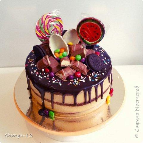 Долго я смотрела на этих красавцев....и наконец то решила рискнуть!!! Мой первый зеркальный муссовый торт!!! Это очень вкусно, необычное сочетание, аромат....мммм....вся семья урчала от удовольствия ))) фото 5