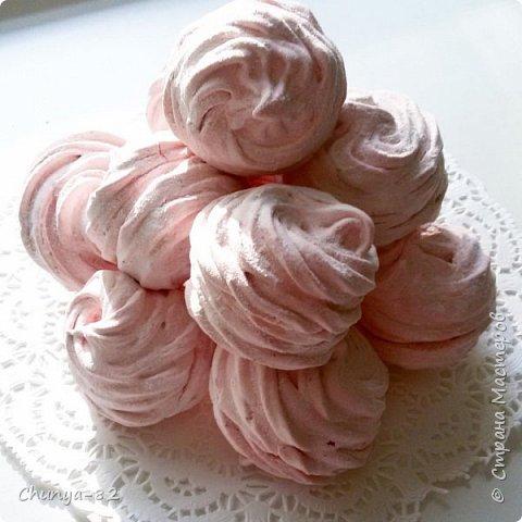 Долго я смотрела на этих красавцев....и наконец то решила рискнуть!!! Мой первый зеркальный муссовый торт!!! Это очень вкусно, необычное сочетание, аромат....мммм....вся семья урчала от удовольствия ))) фото 28