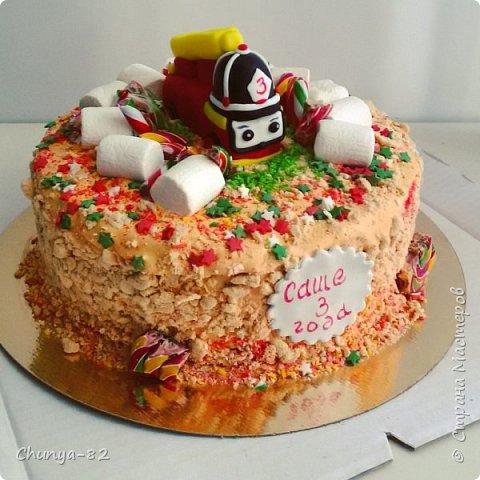 Долго я смотрела на этих красавцев....и наконец то решила рискнуть!!! Мой первый зеркальный муссовый торт!!! Это очень вкусно, необычное сочетание, аромат....мммм....вся семья урчала от удовольствия ))) фото 9