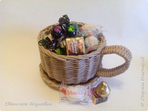 Подставка для бутылочки.  Можно дополнить виноградом из конфет.  фото 25