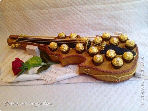 Скрипочка для настрящего музыканта.  Делала я ее с помощью МК Натальи Пецкус.  фото 5