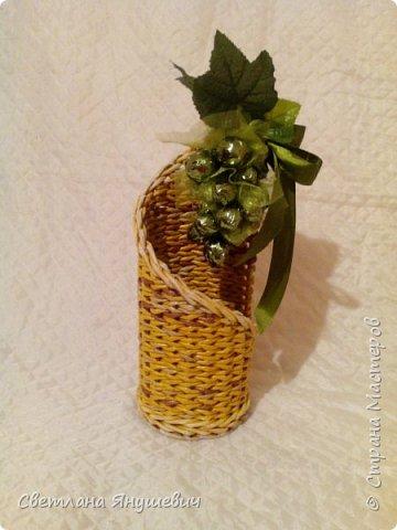 Подставка для бутылочки.  Можно дополнить виноградом из конфет.  фото 3
