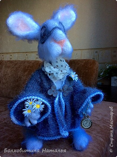 """Белый Кролик из """"Алисы в стране чудес"""", связан по МК Елены Фортыгиной фото 2"""