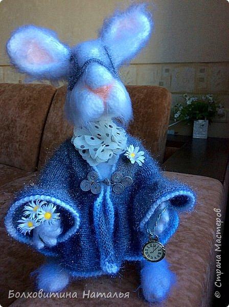 """Белый Кролик из """"Алисы в стране чудес"""", связан по МК Елены Фортыгиной фото 3"""