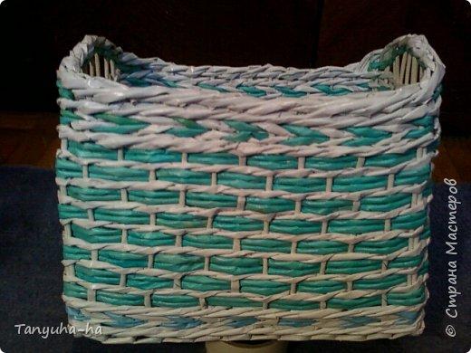 Моя первая шкатулка, красила краской для яиц, на крышке обои под покраску. фото 5