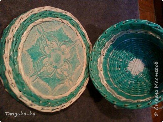 Моя первая шкатулка, красила краской для яиц, на крышке обои под покраску. фото 3