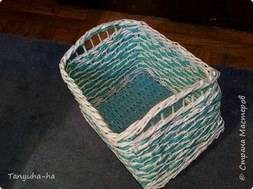 Моя первая шкатулка, красила краской для яиц, на крышке обои под покраску. фото 4