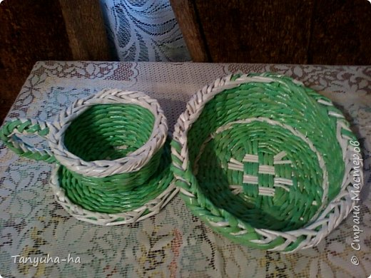 Моя первая шкатулка, красила краской для яиц, на крышке обои под покраску. фото 7