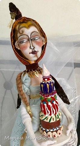 Давненько не заглядывала. За это время сшились две куколки из моего проекта по иллюстрациям Дэвида Галчутта.  Вот это первая. У меня эта красавица ассоциировалась почему-то с Венецией)), поэтому и название такое.  фото 4