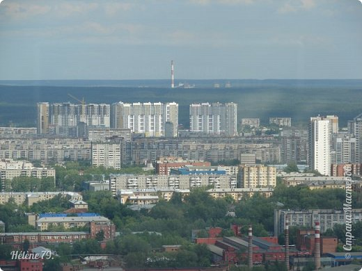 Здравствуйте, дорогие жители нашей прекрасной СМ! Приглашаю ВАС полюбоваться на город Екатеринбург с высоты птичьего полёта.  Открытая смотровая площадка расположена на небоскрёбе  «Высоцкий» на 52 этаже- на высоте 186 метров.  фото 24