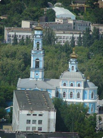 Здравствуйте, дорогие жители нашей прекрасной СМ! Приглашаю ВАС полюбоваться на город Екатеринбург с высоты птичьего полёта.  Открытая смотровая площадка расположена на небоскрёбе  «Высоцкий» на 52 этаже- на высоте 186 метров.  фото 31