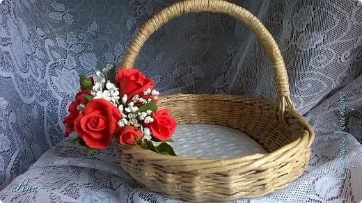 """Корзинка №1.Лепили цветы из глины """"Mоdena Soft"""",а листья из глины """"Fleur"""".Плетение-верёвочка из 2-х трубочек.Загибка из 4-х трубочек. фото 2"""