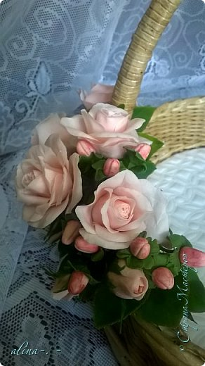 """Корзинка №1.Лепили цветы из глины """"Mоdena Soft"""",а листья из глины """"Fleur"""".Плетение-верёвочка из 2-х трубочек.Загибка из 4-х трубочек. фото 15"""