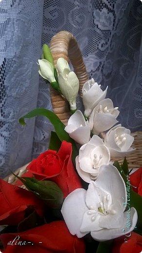 """Корзинка №1.Лепили цветы из глины """"Mоdena Soft"""",а листья из глины """"Fleur"""".Плетение-верёвочка из 2-х трубочек.Загибка из 4-х трубочек. фото 25"""