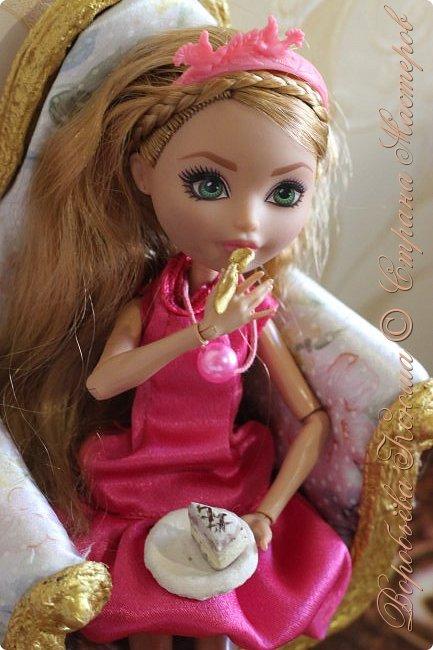 Доброго времени суток. В моём новом блоге я хочу вам показать миниатюрную еду и посуду для кукол из паперклея. Которую я делала в конце учебного года. Некоторую еду делала моя мама. Посуды немного. Две чайные ложечки, две тарелочки и кружка. фото 16