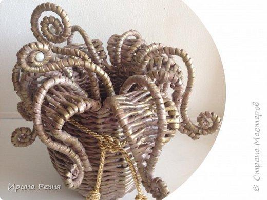 """Вдруг случайно руки стали плести такую """"гаргону"""")))). Это тот случай, когда руки работают независимо от головы))). Покажу вазу со всех сторон.. фото 1"""