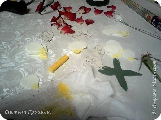 Здравствуйте дорогие жители Страны Мастеров!!! Пока цветут цветы в саду,я сделаю несколько разборов по цветам!! Я часто ищу разборы по цветам,и может мои цветы кому нибудь пригодятся!! Сегодня вашему вниманию я представляю розу Николь фото 9