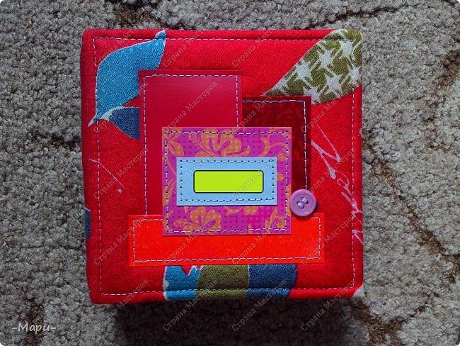 Привет, Стана Мастеров! Это продолжение серии альбом для хранения дисков с семейными фото, их будет еще несколько. Первый семейный http://stranamasterov.ru/node/1031662 . Альбом 12,5*12,5, корешок 3,5, 5 разворотов, вмещает 10 дисков, переплет: прошитый на швейной машинке, обложка тканная: хлопок. фото 1