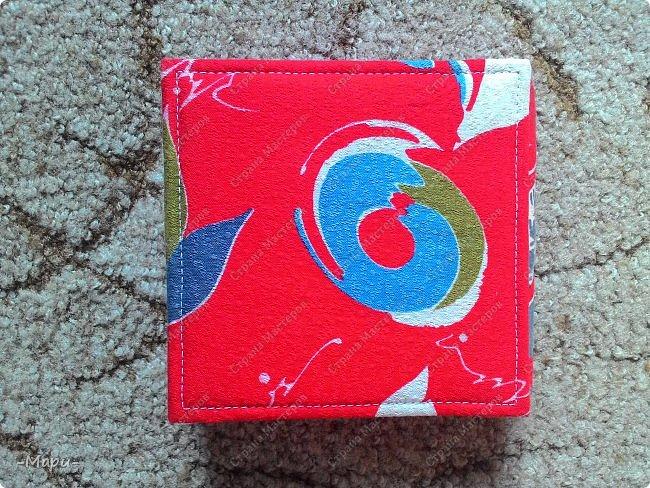 Привет, Стана Мастеров! Это продолжение серии альбом для хранения дисков с семейными фото, их будет еще несколько. Первый семейный http://stranamasterov.ru/node/1031662 . Альбом 12,5*12,5, корешок 3,5, 5 разворотов, вмещает 10 дисков, переплет: прошитый на швейной машинке, обложка тканная: хлопок. фото 10