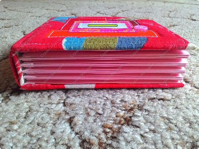 Привет, Стана Мастеров! Это продолжение серии альбом для хранения дисков с семейными фото, их будет еще несколько. Первый семейный http://stranamasterov.ru/node/1031662 . Альбом 12,5*12,5, корешок 3,5, 5 разворотов, вмещает 10 дисков, переплет: прошитый на швейной машинке, обложка тканная: хлопок. фото 6