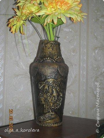 Эта ваза - из старого плафона. Внутри отделана атласной тканью. фото 10