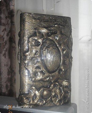 Эта ваза - из старого плафона. Внутри отделана атласной тканью. фото 6