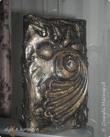 Эта ваза - из старого плафона. Внутри отделана атласной тканью. фото 7