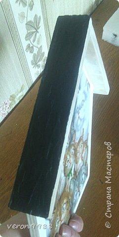 """Доброе утро дорогие друзья!!! Наконец-то я добралась вылажить мастер-класс по моим ключницам)) Очень долго я его готовила, т.к. времени, как всегда в обрез))   Сразу прошу прощения за качество фото, т.к. фотографировала на телефон.  И так, начнем: Для работы нам понадобиться: - фанера - лобзик, для того, что бы разрезать фанеру - наждачная бумага - распечатки или салфетки рисунков для ключницы - белая акриловая краска - колер: черный, коричневый, красно-коричневый - сатинированная краска """"глубокое золото"""", для создания золотистых потертостей - лак акриловый (я пользуюсь нашим беларуским, Лидский LIMEX полуглянцевый) - текстурная паста - шпаклевка по дереву - 3D гель для создания объемных эффектов (по желанию) - маленькие гвоздики - молоток - крючки 2шт - подвесы 2шт - шурупы 6шт для крючков и подвесов - шуруповерт - мастихин для нанесения шпаклевки и текстурной пасты - кисточка и спонжик - сверло по дереву спиральное, диаметром 8 мм фото 23"""