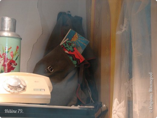 """Здравствуйте, дорогие жители СМ! Сегодня я хотела бы пригласить ВАС посетить музей В.С. Высоцкого, который находится в небоскрёбе """"Высоцкий"""", на смотровой площадке которого мы побывали с ВАМИ ранее (http://stranamasterov.ru/node/1038249).  Первый, наиболее полный рассказ о музее, здесь:  http://stranamasterov.ru/node/919905   Концепция Музея уникальна, вехами показана вся жизнь Владимира Семеновича. В основу экспозиции вошли личные вещи Владимира Высоцкого.   фото 9"""