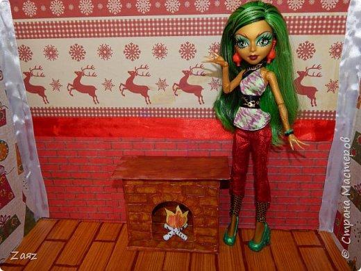 """Всем привет :з Сегодня я продолжаю переделывать свою кукольную комнату. Сейчас я вам покажу и расскажу, как сделать камин) Делала я его из головы, мастер классов на него не смотрела, поэтому прошу не закидывать меня комментариями типа """"А я у другого такое видела!! Плагиат!!"""".  фото 8"""