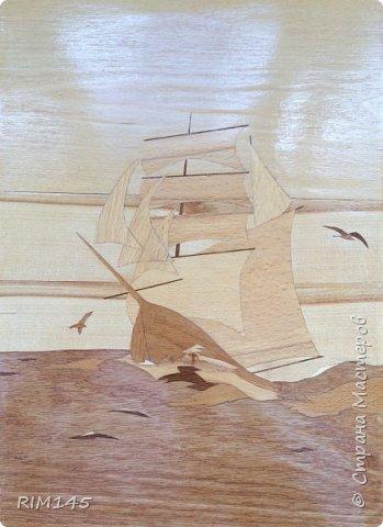 Моя самая первая работа в технике маркетри. Картина 'Новый день корабля'. 300х400. 1986 год. Весь шпон я привез домой на санках (был февраль) в огромной коробке из-под холодильника.  фото 3