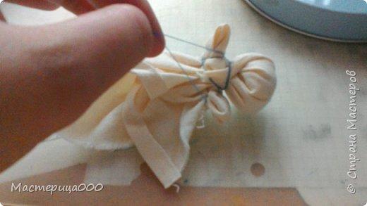 Нам понадобится: ткань салфетки нитки ножницы фото 6