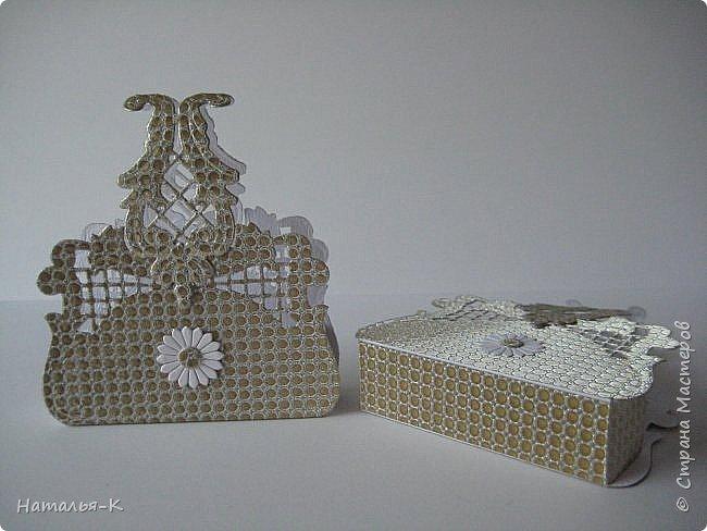Приветствую всех, кто нашел время заглянуть ко мне в гости!!! Сегодня я пришла к вам с сумочками.  Сумочка упаковка, для денежного подарка, для подарочка маленького размера и т. д.    Кому интересна такая сумочка, загляните сюда   http://stranamasterov.ru/node/977529 Высота сумочки 7 см. (без ручки), длина 11 см., ширина  4 см. (в нижней части)  Подробнее покажу вот эти сумочки, а остальные... просто оформление. фото 28