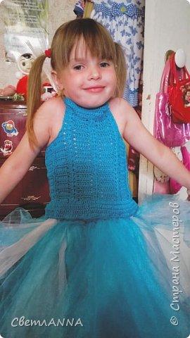 Вот такое комбинированное платье было мной сделано до со малышки. Вверх связан в две нити  пряжей Ромашка цвет 3010 и alize forever simli с металлизированной нитью цвет 16 фото 5