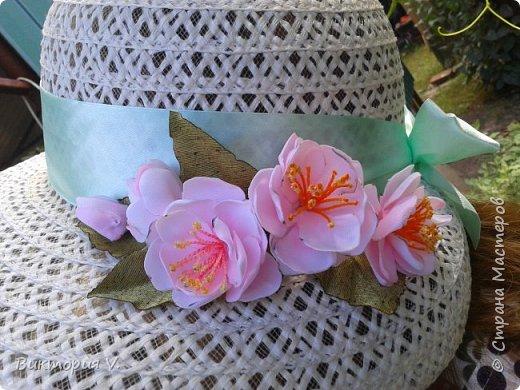 первая сакура. делала реанимацию старой неинтересной шляпы. ленту тоже заменила, была старая выцвевшая, цвет другой. фото 1
