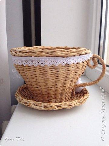 Добрый день всем! Плетением занимаюсь всего пару месяцев. Очень понравилась идея плетеного чайного домика, но никак не решалась. И вот в итоге что получилось, мой первый опыт в плетении домика.  Буду рада Вашей оценки и мнению. фото 5
