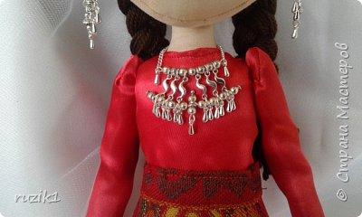 Кукла в национальном костюме фото 1