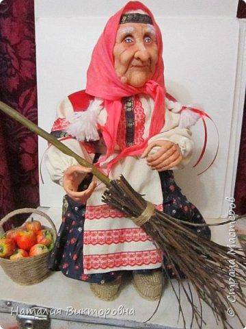 Хочу показать вам новую работу, Бабушка Яга! Правда она не до конца сделана -нет атрибутов для Яги, Будет еще ступа( наверное) с метлой.  Вот такая чистюля в этот раз! фото 20