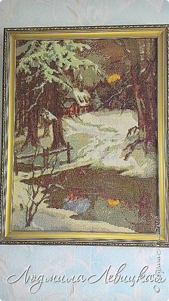 Церквушка в  зимнем лесу фото 1