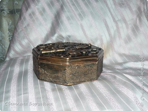 Коробка из под печенья превратилась в коробку для швейных принадлежностей. фото 1