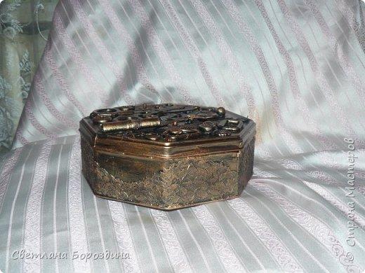 Коробка из под печенья превратилась в коробку для швейных принадлежностей. фото 6