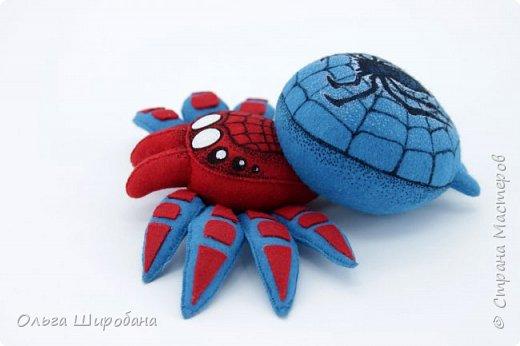 Здравствуйте.  Если уж шить пауков-супергероев, то куда же без Человека-паука ? фото 4