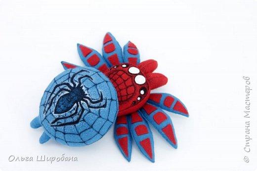 Здравствуйте.  Если уж шить пауков-супергероев, то куда же без Человека-паука ? фото 1