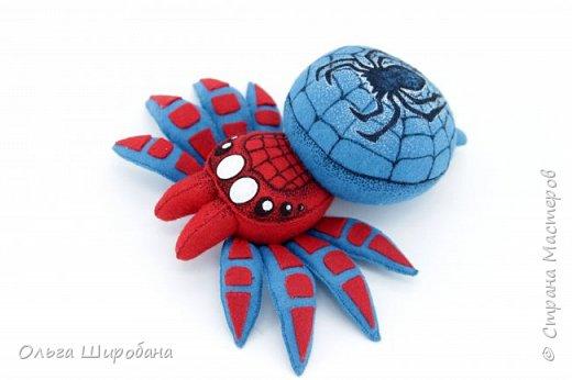 Здравствуйте.  Если уж шить пауков-супергероев, то куда же без Человека-паука ? фото 2