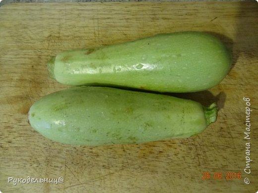 Всем добрый вечер. Сезон ягод и овощей. Так, что готовим  сегодня кабачковые дольки в кляре. фото 2