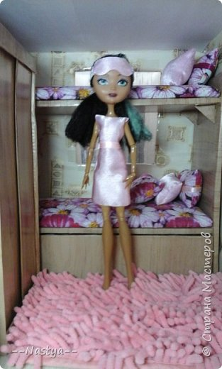 Доброе время суток! Решила я устроить для своих куклят ночёвку. Так же показать их ночнушки и комнату. фото 7