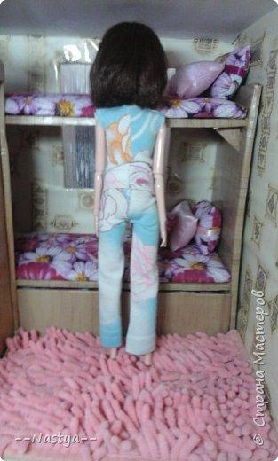 Доброе время суток! Решила я устроить для своих куклят ночёвку. Так же показать их ночнушки и комнату. фото 9