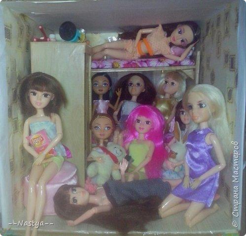 Доброе время суток! Решила я устроить для своих куклят ночёвку. Так же показать их ночнушки и комнату. фото 20