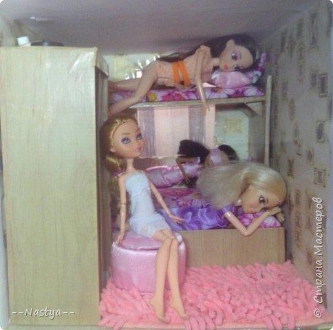 Доброе время суток! Решила я устроить для своих куклят ночёвку. Так же показать их ночнушки и комнату. фото 19